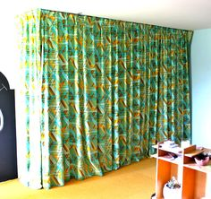 How to make pleated drapes - http://www.prudentbaby.com/2011/04/how-to-make-pleated-drapes.html