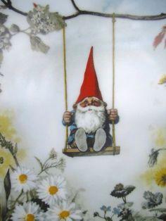 Rien Poortvliet Little Gnomes Decorative Ceramic Plate David The Gnome, Humanoid Creatures, Vintage Fairies, Dutch Artists, Vintage Greeting Cards, Magical Creatures, Chalk Art, Little People, Goblin