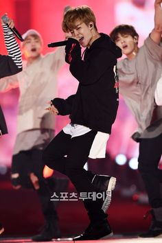 [Picture/Media] BTS at 2018 Pyeongchang Winter Olympics Concert [160907]