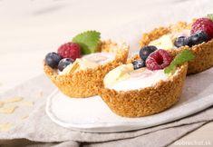 Košíčky s ovocím, plnené jogurtom Healthy Cake, Healthy Dessert Recipes, Healthy Baking, Desserts, Healthy Food, Gluten Free Cakes, Pastry Cake, Sweet And Salty, Food Hacks