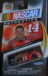 NASCAR AUTHENTICS 1:64 SCALE #14 TONY STEWART FREE SHIPPING!! Tony Stewart, Nascar, Hot Wheels, Diecast, Race Cars, Scale, Racing, Baseball Cards, Free Shipping