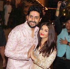 Aishwarya e Abhishek Aishwarya Abhishek, Indian Movies, Incredible India, India Beauty, Beauty Queens, Indian Sarees, Couple Goals, Movie Stars, Bollywood