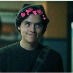 Riverdale, cole sprouse, and jughead image Cole M Sprouse, Sprouse Bros, Cole Sprouse Funny, Cole Sprouse Jughead, Cole Sprouse Lockscreen, Cole Sprouse Wallpaper, Riverdale Funny, Riverdale Cast, Riverdale Memes