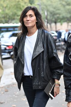 Emanuelle Alt is seen arriving at Balmain fashion show during the Paris Fashion Week Spring/Summer 2017 on September 29 2016 in Paris France