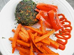 Greek Spinach Burger with Roasted Red Pepper and Carrot Fries. Sriracha instead of ketchup or mayo aioli!