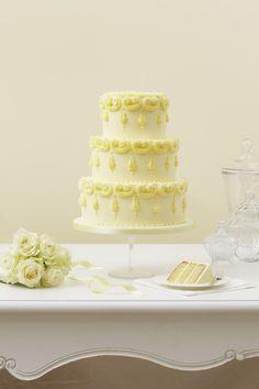 Bolo dos noivos com limoncello. #casamento #bolodosnoivos