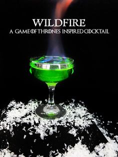 A flaming Game of Thrones inspired cocktail for your next Game of Thrones viewing party! Inspired by the green explosive Wildfire used in the show. This easy Game of Thrones cocktail is caught fire with Bacardi 151 rum and sweetened by using a mix of Mido Flaming Cocktails, Vodka Cocktails, Cocktail Drinks, Cocktail Recipes, Midori Cocktails, Game Of Thrones Drink, Game Of Thrones Cocktails, Game Of Thrones Party, Martini