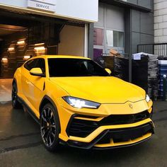 Lamborghini promised it would deliver the world's fastest internal-combustion-powered SUV with the Urus. Luxury Sports Cars, Exotic Sports Cars, Cool Sports Cars, Best Luxury Cars, Super Sport Cars, Luxury Suv, Exotic Cars, Super Cars, Carros Lamborghini