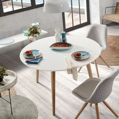 Mesa extensible Oqui redonda cm natural y blanco - Kave Home Kitchen Tables For Sale, Small Kitchen Bar, Round Extendable Dining Table, Table Extensible, Faia, Decorating Coffee Tables, Decoration Table, Diy Table, Table And Chairs
