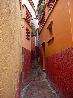Callejón del Beso - Guanajuato, MX.