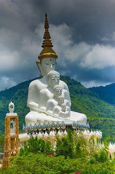 Phra Thart Pha Kaew, is a Buddhist monastery and temple (Wat วัด in Thai) in Khao Kor, Phetchabun, in north-central Thailand Buddha Buddhism, Buddha Art, Buddhist Monk, Buddhist Temple, Thailand Honeymoon, Thailand Travel, Buddha Garden, Buddha Sculpture, Taoism