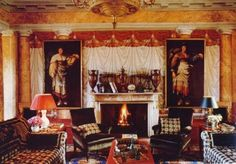 The main salon in Giancarlo Giammetti's villa in Tuscany. Photo by Oberto Gili.