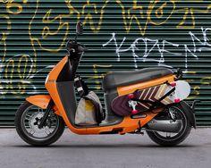 Gogoro 2 系列智慧雙輪,顛覆你對電動機車的想像。125 cc 等級的馳電飛奔,比加油更方便的電池交換網路,是你最超值的智慧電動車。