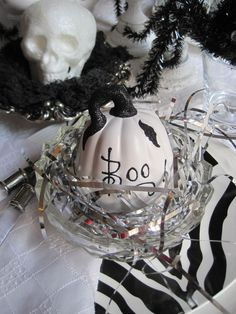 Halloween table, just in time for this week's Tablescape Thursday