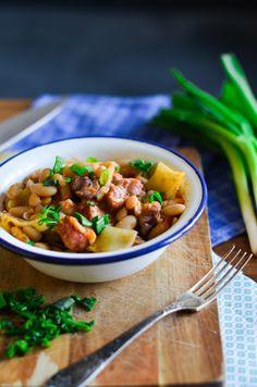 I adore cinnamon- subiektywny blog kulinarny o zapachu cynamonu: Portugalska Feijoada Sushi, Chili, Cinnamon, Pork, Cooking, Ethnic Recipes, Sweet, Bean Stew, Canela
