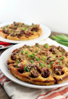 Keto - A decadent dinner for any occasion: BBQ Bacon Cheeseburger Waffles. It's a meal the whole family can enjoy! Beef Recipes, Low Carb Recipes, Healthy Recipes, Keto Galletas, Sin Gluten, Cetogenic Diet, Paleo Diet, Waffle Maker Recipes, Keto Waffle