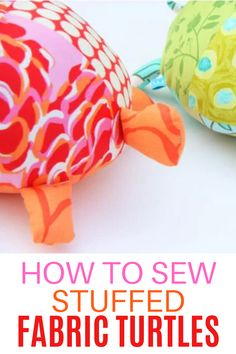 Sew stuffed fabric turtles with this easy sewing tutorial and free PDF pattern. Sewing Machine Projects, Diy Sewing Projects, Craft Tutorials, Sewing Tutorials, Sewing Crafts, Craft Projects, Sewing Ideas, Craft Ideas, Diy For Kids