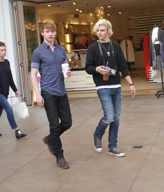 Ross Lynch And Calum Worthy Out Shopping Together At The Grove In Hollywood - http://oceanup.com/2014/12/16/ross-lynch-and-calum-worthy-out-shopping-together-at-the-grove-in-hollywood/