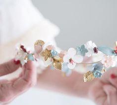 A veces el trabajo duro tiene como resultado esto. Feliz Martes!  #sisterstocados #tocados #coronadeflores #flowercrowns #tocadosnovia #invitadaperfecta #invitadas #wedding #brides #bridal #accesoriosnovias #muysisters