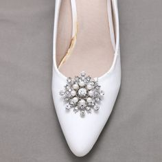 A Pair Of Snowflake Shoes Clip Pearl Crystal Shoe by sweetygarden