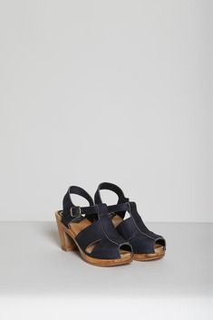 No. 6 T Strap Heel in Navy