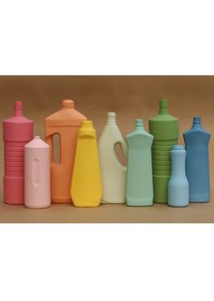 Paint old plastic bottles, here's the result!
