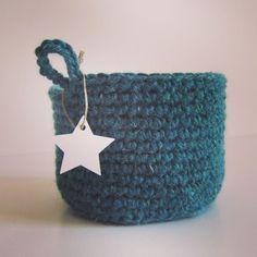 pochon crochet bleu Made at les Volets Verts