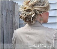 You have to check out her blog. She has videos for all of her super cute styles. I just had to share :). Small Things Blog, Up Hairstyles, Pretty Hairstyles, Wedding Hairstyles, Easy Hairstyle, Wedding Updo, African Hairstyles, Braided Hairstyles, Short Hair Bun