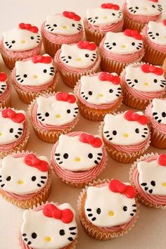 Kitty cup cakes
