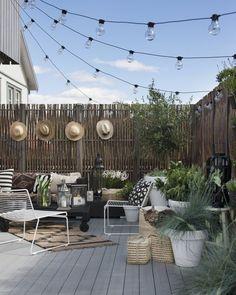 Awesome 20 Creative DIY Small Backyard Ideas On A Budget. # # 2019 Awesome 20 Creative DIY Small Backyard Ideas On A Budget. # The post Awesome 20 Creative DIY Small Backyard Ideas On A Budget. # # 2019 appeared first on Patio Diy. Design Exterior, Patio Design, Garden Design, Fence Design, Balcony Design, Rooftop Design, Diy Patio, Backyard Patio, Backyard Landscaping