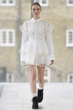 Cecilie Bahnsen Copenhagen Fall 2017 Collection Photos - Vogue  white netting over white outfit
