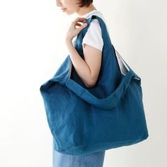 Handbags - I think they were my first fashion love (and if I had design skills, I would love to beco Handmade Bags, Handmade Crafts, Japanese Bag, Diy Backpack, Craft Bags, Recycled Denim, Denim Bag, Love Sewing, Handmade Accessories