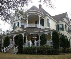 1900 Victorian: Grand Southern Victorian House