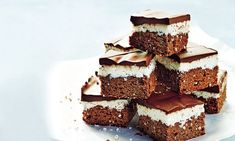 Sarah Wilson's I Quit Sugar For Life: Choc Mint Slice Recipes . Brownie brownies i quit sugar Sugar Free Treats, Sugar Free Desserts, Sugar Free Recipes, Chocolate Slice, Healthy Chocolate, Mint Chocolate, No Sugar Foods, Low Sugar, Sugar Sugar