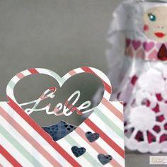 Plotte süße Tischkarten für Deine Hochzeit oder zum Valentinstag. Wie das geht wird Schritt für Schritt im kostenlosen Tutorial beschrieben.