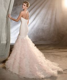 Pronovias 2017 / The wisdom and skill of expert seamstresses transform fine fabrics into haute couture designs. These wedding dresses are pure magic. Pronovias has designed a collection to enchant not only romantic, classic brides, but also modern, Tulle Wedding Gown, Weeding Dress, Bridal Wedding Dresses, Designer Wedding Dresses, Mermaid Wedding, Pronovias Dresses, Pronovias Wedding Dress, Wedding Dresses Plus Size, The Dress