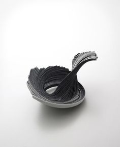Yong Joo Kim - Brooch: Reconfiguring the Ordinary: Stacked and Twisted / Hook-and-loop fastener, Sterling Silver