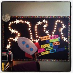 Star Motivational Light-Up Bulletin Board! Motivation during standard testing! Space Theme Classroom, Owl Classroom, Classroom Displays, Science Classroom, Classroom Decor, Classroom Resources, November Bulletin Boards, Preschool Bulletin Boards, Classroom Bulletin Boards