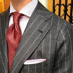 """Closeup of today by Tom wearing a Viola Milano """"Micro Floral self-tip silk - Red"""" tie & handrolled """"Red Border"""" pocket square... Worldwide…"""