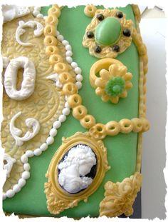 jewelry box cake jewelry view