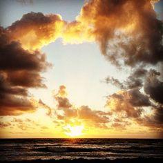 Happy Wednesday morning.  Day 9 #30daysofchange #delraybeach #sunrise #imaginedselfproject #beachlife