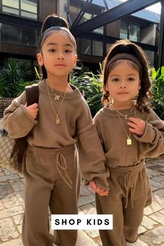 A Little Gold For Your Little One! ✨ Cute Kids Photos, Baby Pictures, Little Girl Fashion, Boy Fashion, Baby Love, Boy Outfits, Kids Shop, Super Cute, Style Inspiration