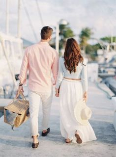 This groom popped the question in the most adorable way: http://www.stylemepretty.com/2014/09/15/sailboat-engagement-session-in-miami/ | Photography: Melanie Gabrielle - http://melaniegabrielle.com/