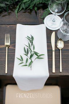 www.frenzelstudios.com Organic, relaxed  & classic- gorgeous Cheekwood Botanical Gardens Wedding Reception styled by @pittmanbh