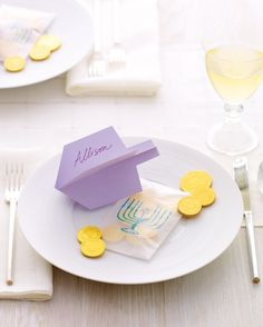 No glue required to make these Dreidel place cards!
