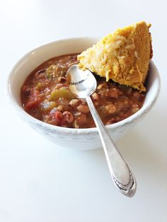 Black-Eyed Pea Gumbo - Only 216 calories for a full serving of this amazing gumbo! Is gumbo soup? Soup Recipes, Cooking Recipes, Healthy Recipes, Yummy Recipes, Cajun Cooking, Cajun Food, Healthy Soup, Chili Recipes, Vegetarian Recipes