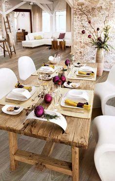 Weihnachtsdeko-ideen-rustikaler-Esstisch-festliche-Tischdeko