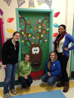 Christmas Door Decorating Contest Winners | Holiday Door Decorating Contest Apex Elementary ... | Portes de clas ...