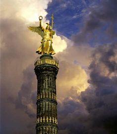 Die goldene Else, Skulpture auf Säule Siegessäule, Grosser Stern, Berlin
