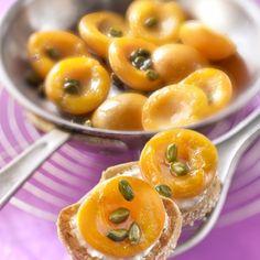 Abricots rôtis sur un lit de lait d'amande